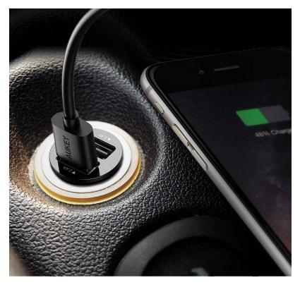 Cargador smartphones para coches: Cargador de Auto Aukey
