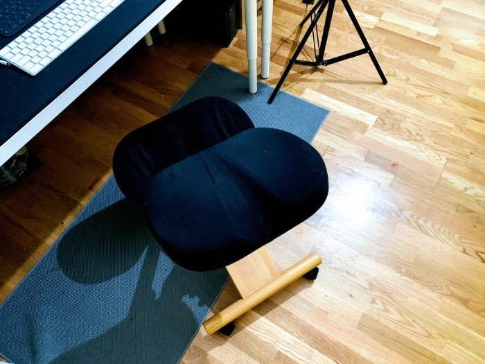 silla de rodillas sin respaldo y con ruedas