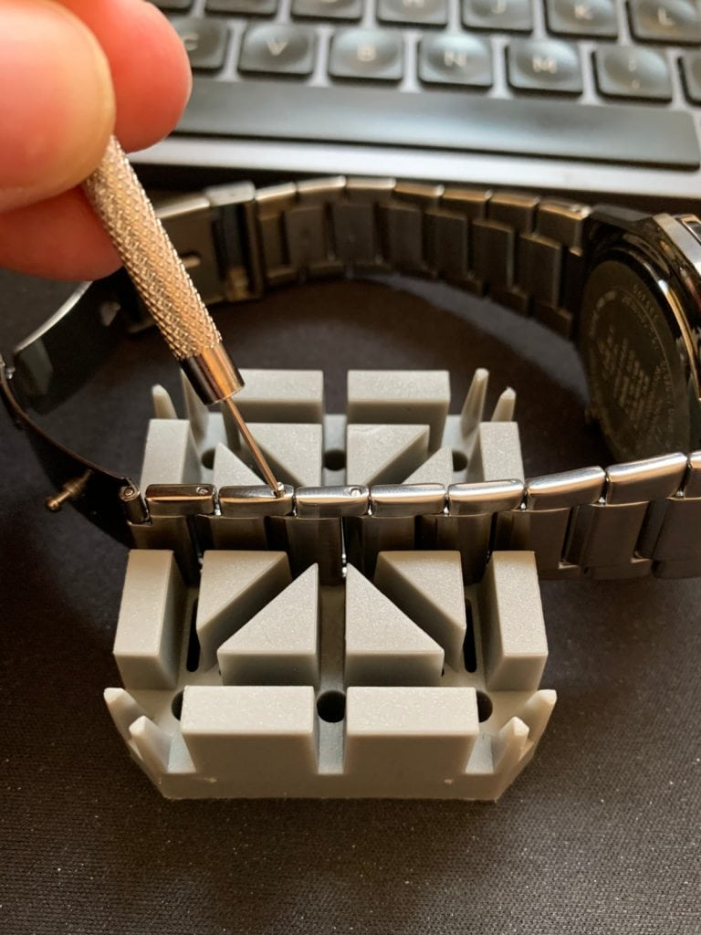 Casio EDIFICE EQB-1100DC-1AER: cadena quitar eslabones