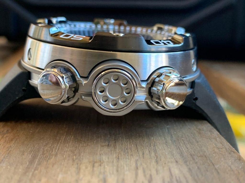 Reloj Citizen Aqualand Eco Drive BN2024-05E: esfera y caja