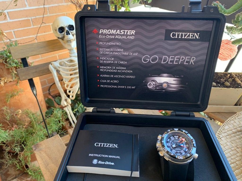 Reloj Citizen Aqualand Eco Drive BN2024-05E: caja de presentación