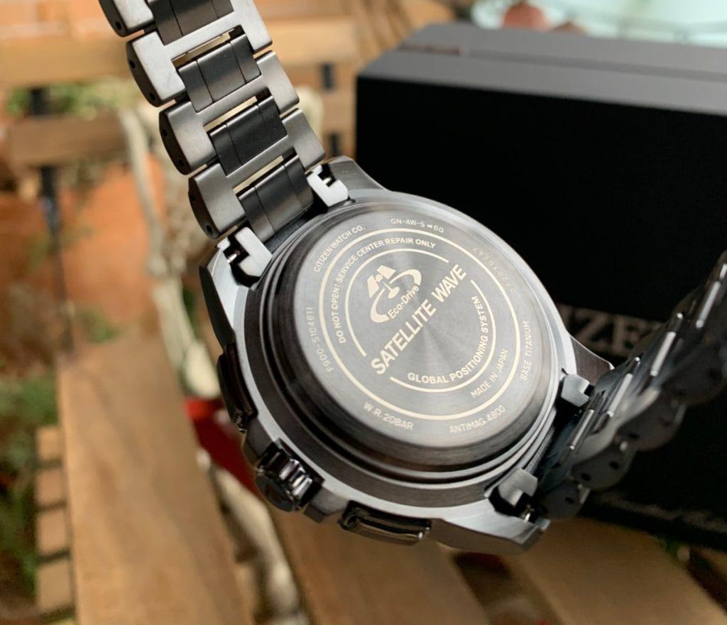 Reloj Citizen Eco Drive CC9025-51E Satellite Wave GPS Sky Premier: parte trasera
