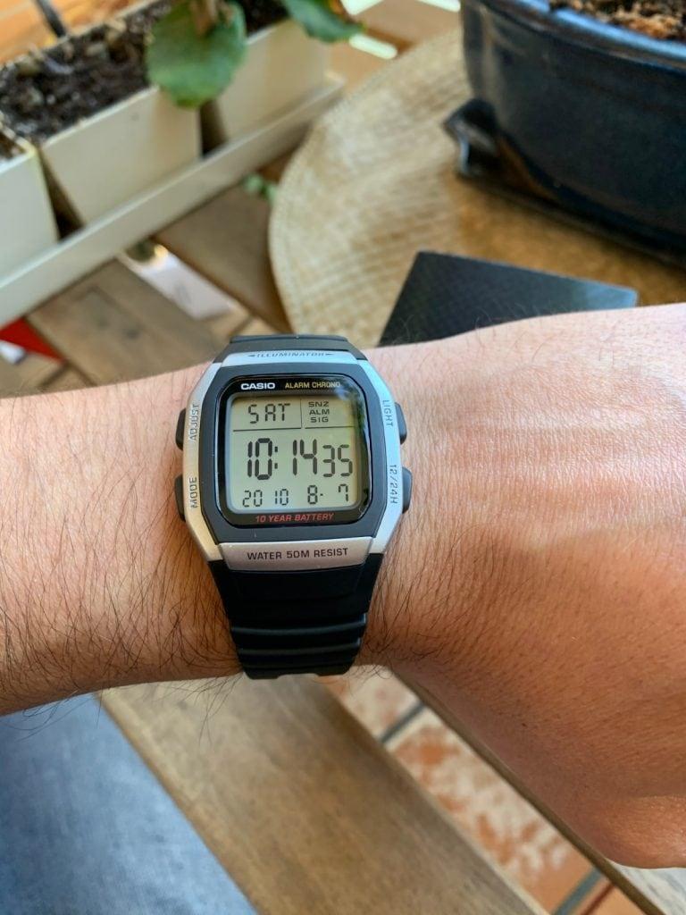 Casio W-96H: otro reloj deportivo con un diseño menos habitual en Casio.