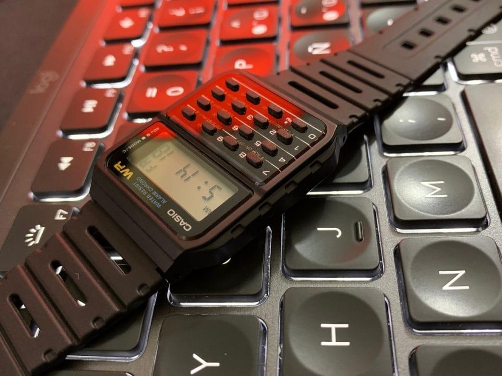 ¿Merece la pena comprar el reloj calculadora Casio CA-53W?