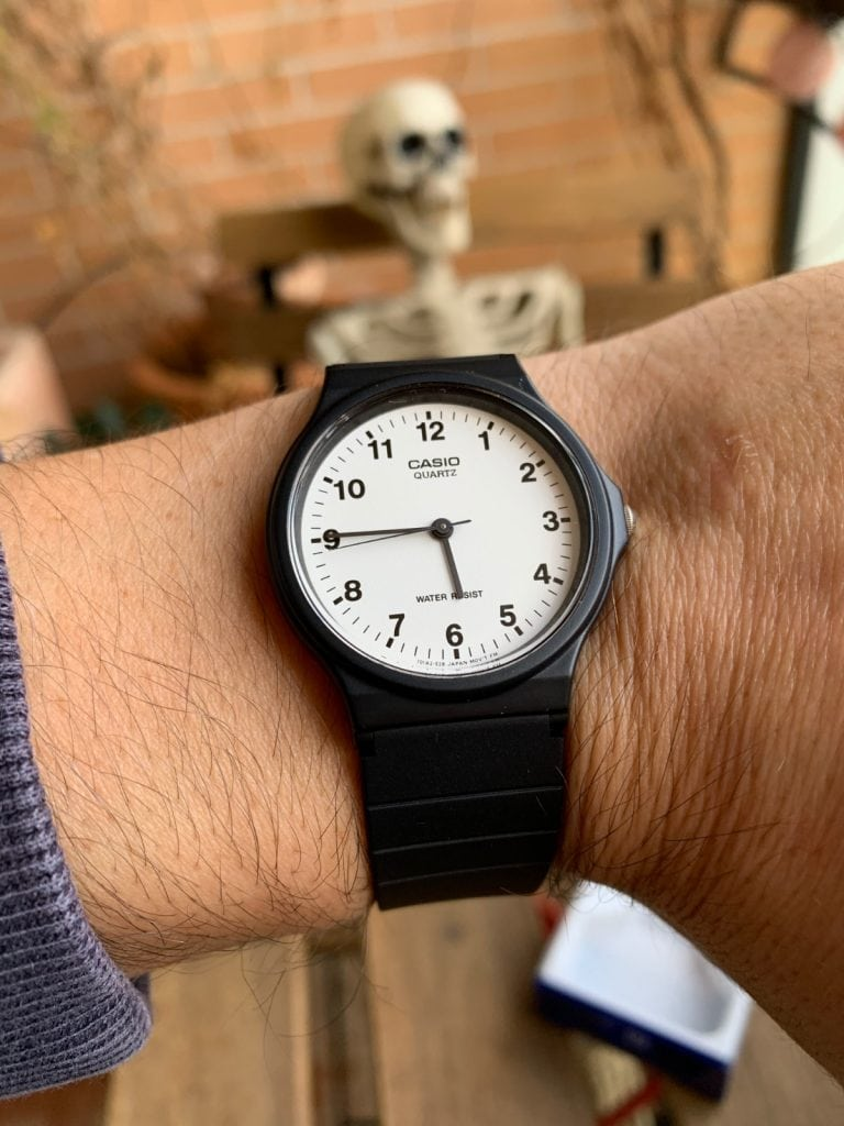 Casio MQ-24-7BLL: el reloj analógico de Casio más barato