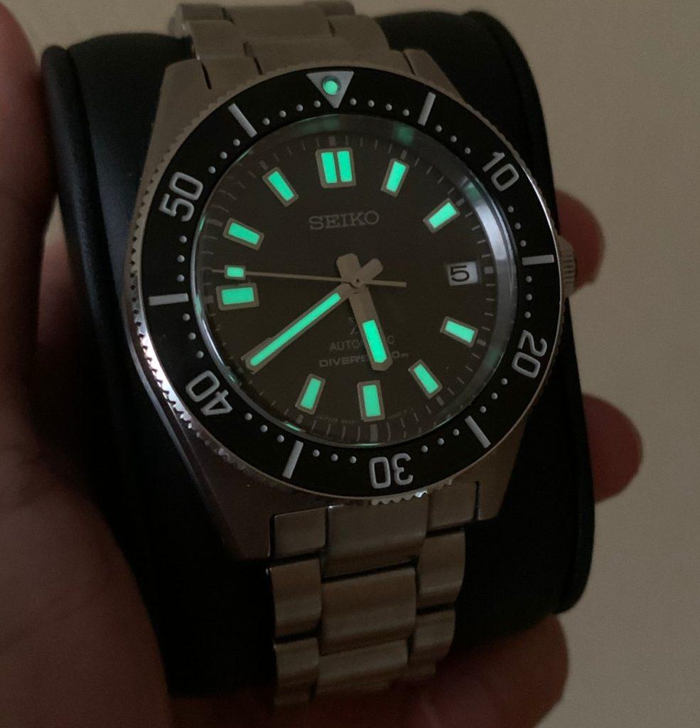 Seiko Prospex Diver SPB143J1: lume