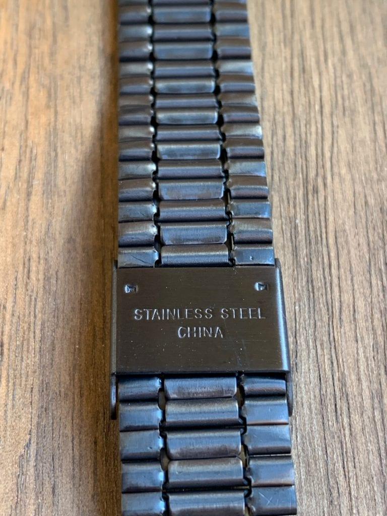 Casio B640WB: pulsera y como queda en la muñeca