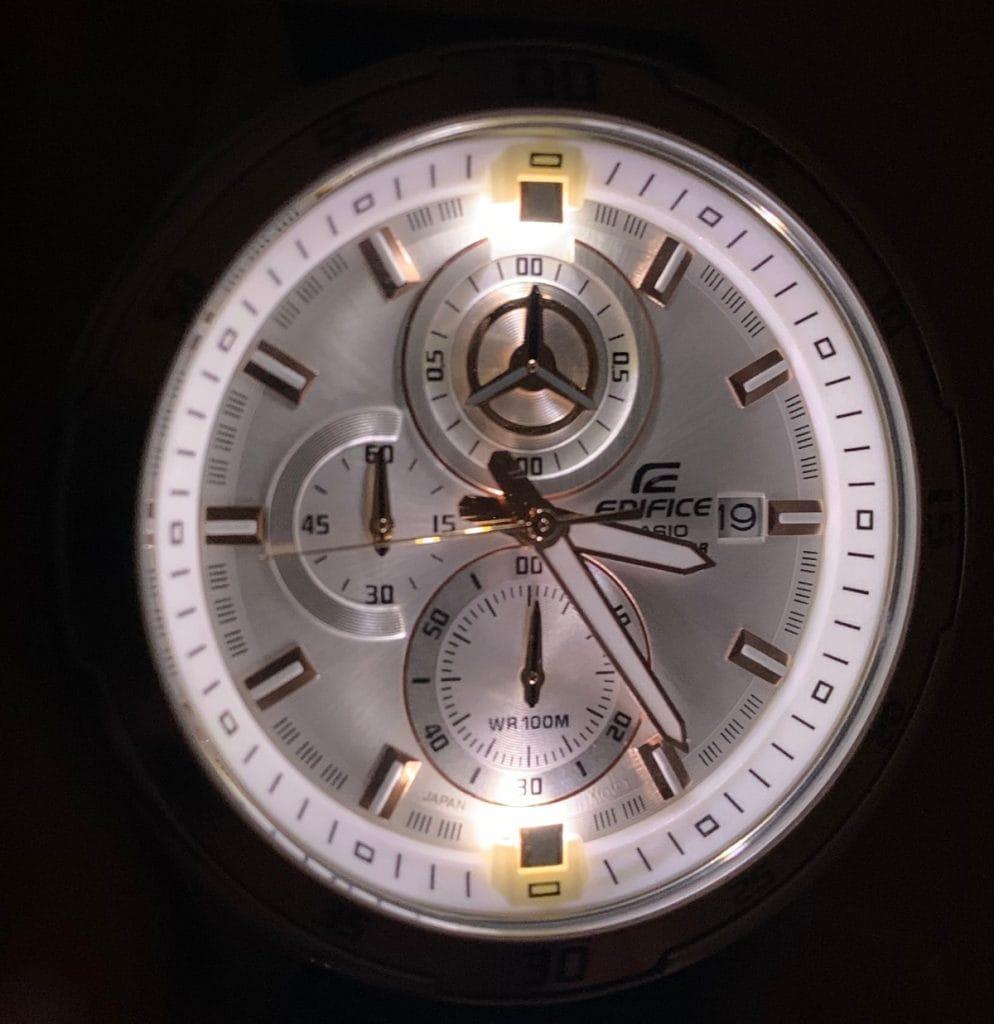 Casio EDIFICE EFR-547L-7AVUEF: luz