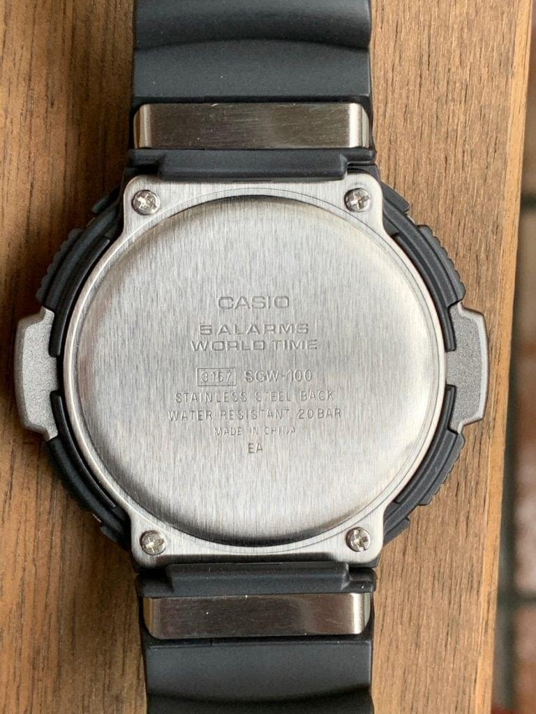 Casio SGW-100: parte trasera