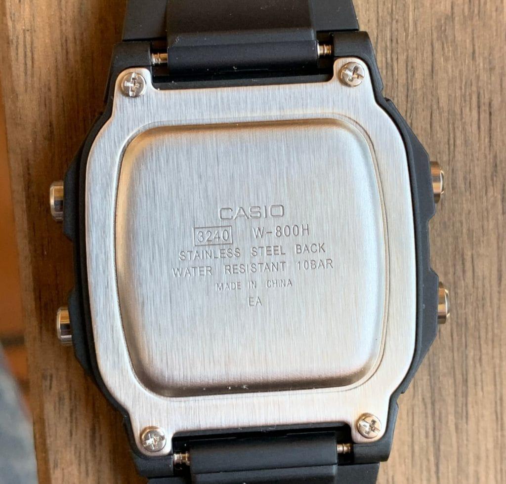 Casio W-800H: parte trasera