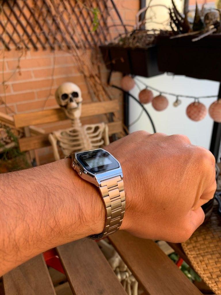 Casio A158W: pulsera y como queda en la muñeca