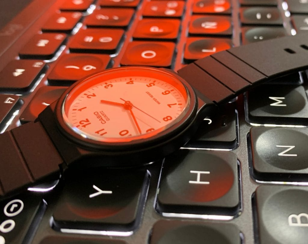 ¿Merece la pena comprar el Casio MQ-24, el reloj analógico de Casio más barato?