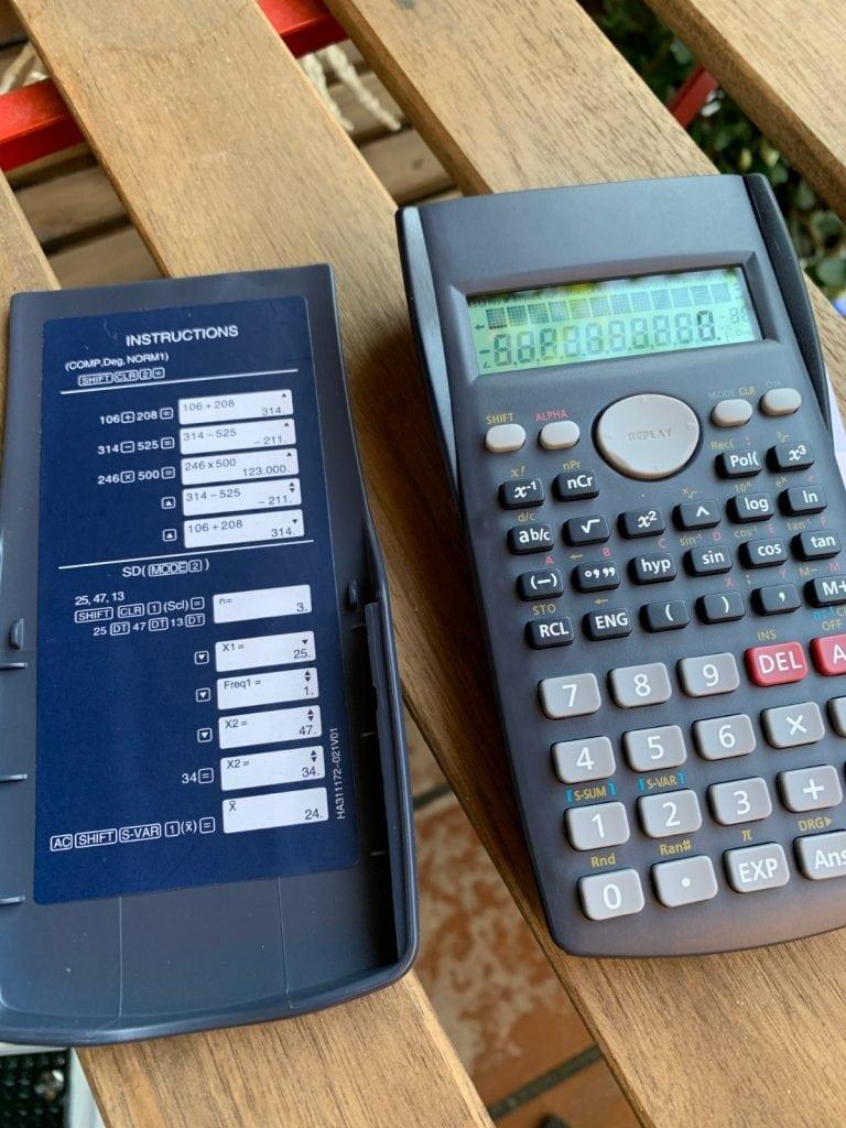 Calculadora científica Helect H-1002: diseño