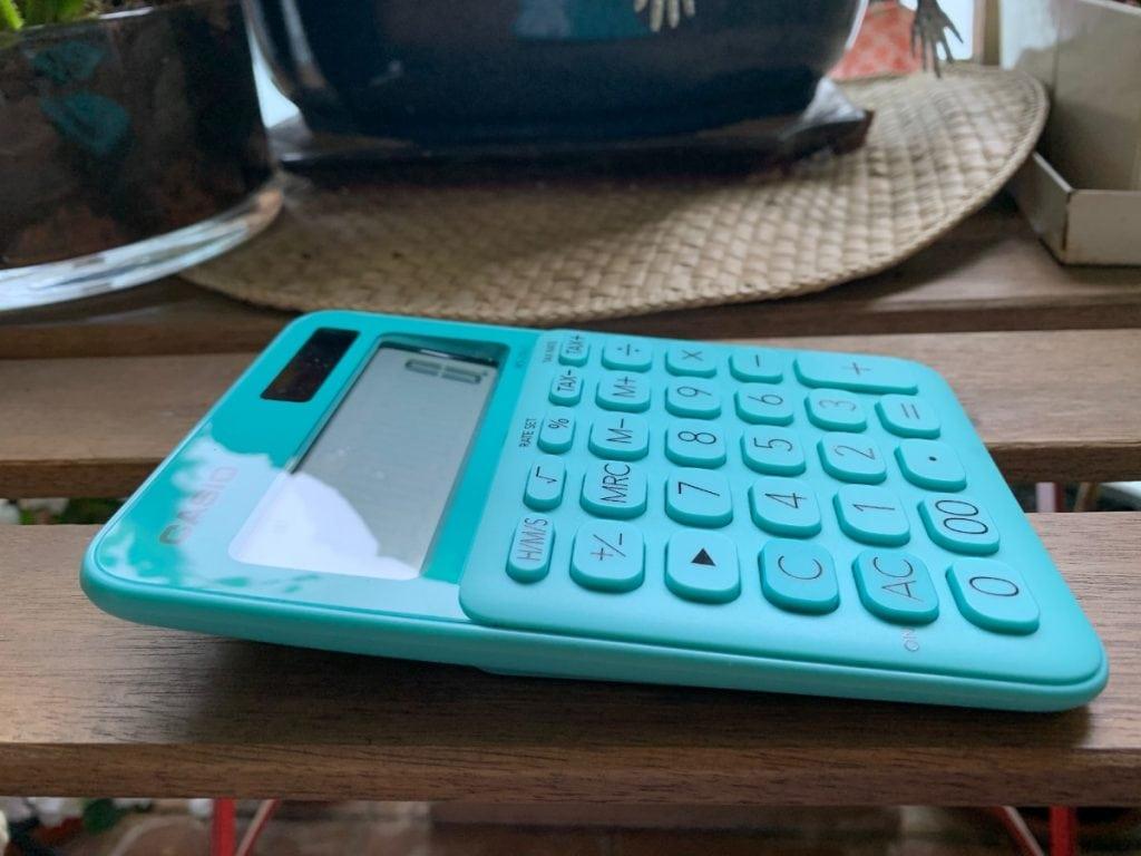 Calculadora de sobremesa Casio MS-20UC: inclinación pantalla