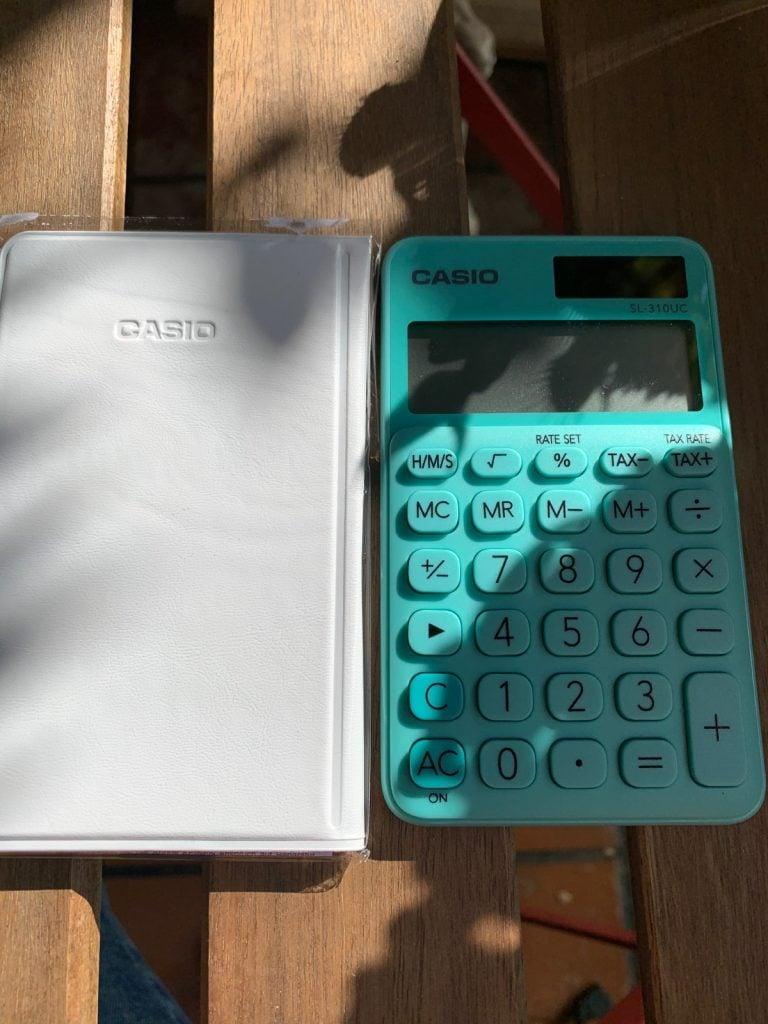Casio SL-310UC - Calculadora de bolsillo con funda