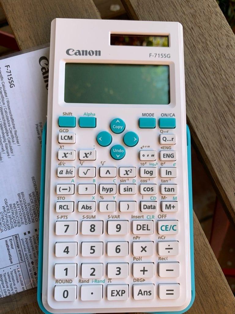 Calculadora científica Canon F-715SG: características y diseño