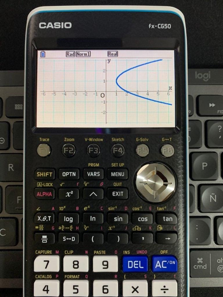 Casio FX-CG50 - Calculadora gráfica: representación de función en el modo Cónicas.