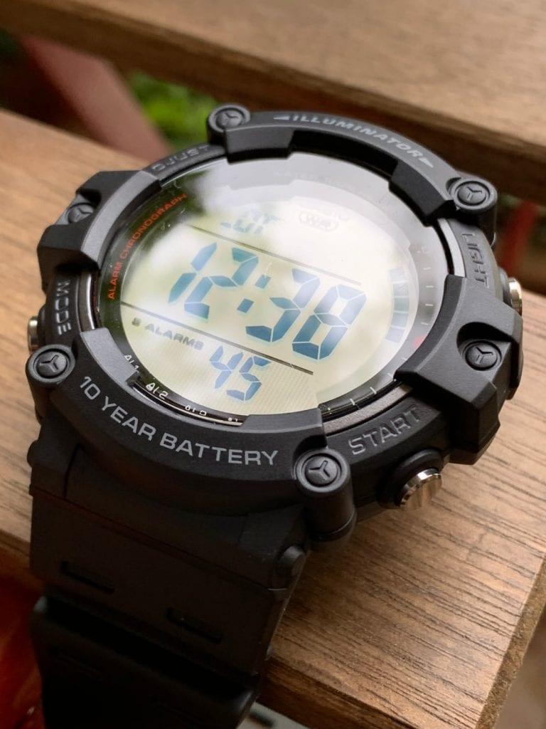 Casio AE-1500WH: pantalla digital