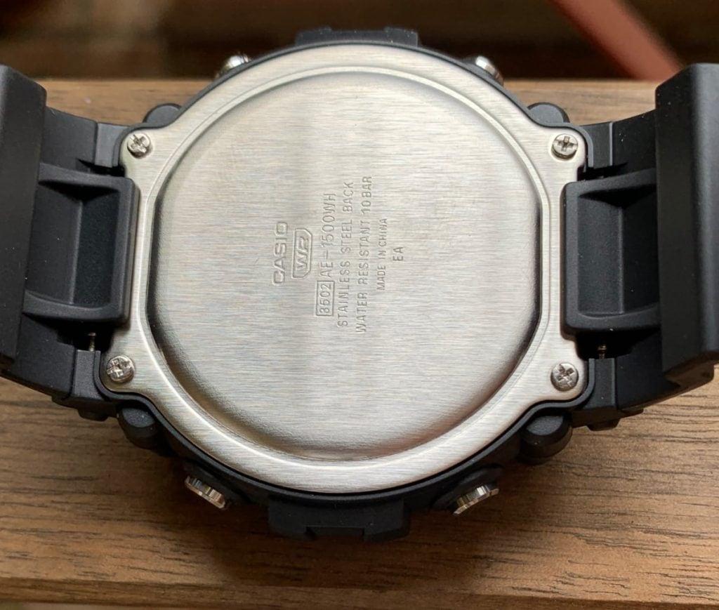 Casio AE-1500WH: parte trasera