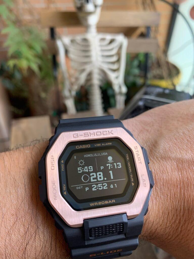 Casio G-Shock GBX-100: grafico mareas y sol
