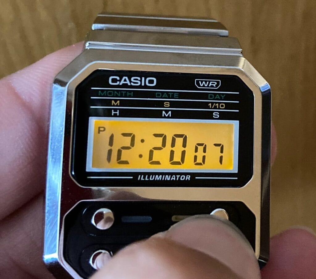 Casio A100: funciones - Luz LED