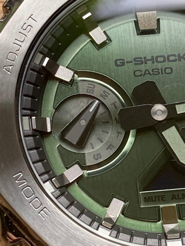 Casio G-Shock GM-2100B-3AER - Dial dias
