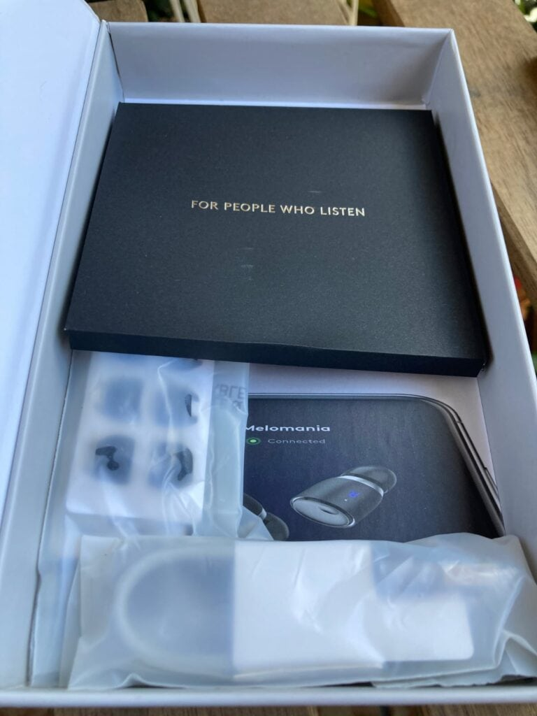 Cambridge Audio Melomania 1 Plus Auriculares True Wireless: instrucciones y accesorios