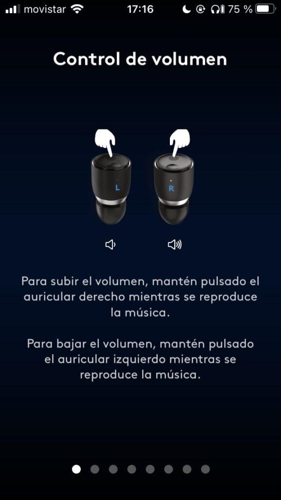 Pulsando botones en los Cambridge Audio Melomania 1 Plus Auriculares True Wireless